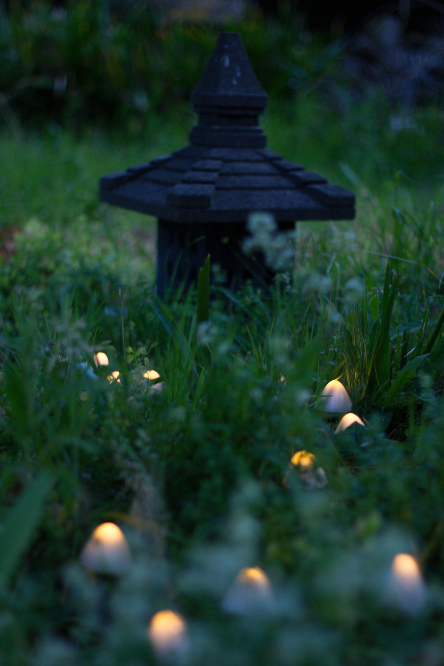 lampes champignon et lanterne japonaise ishi doro