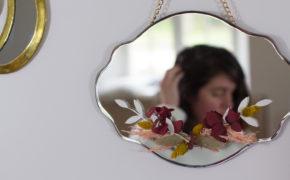 DIY : un miroir en fleurs séchées