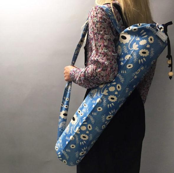 Un sac de transport pour tapis de yoga